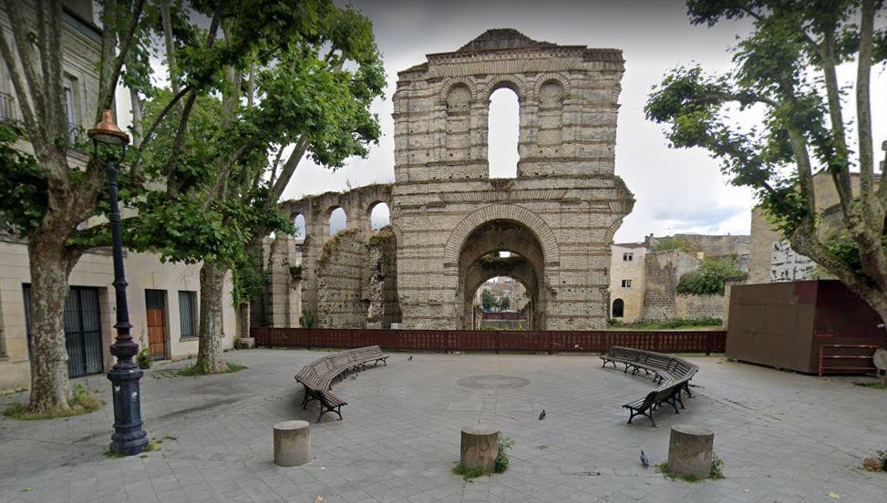 Palais Gallien vue rue du Dr Barraud